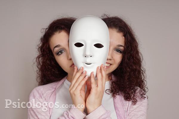 Una persona voluble se puede alterar porque su jefe lo recrimina en público, pero este hecho para una persona con trastorno bipolar puede significar una depresión profunda. El bipolar experimenta cambios severos de humor y de conducta que afectan su